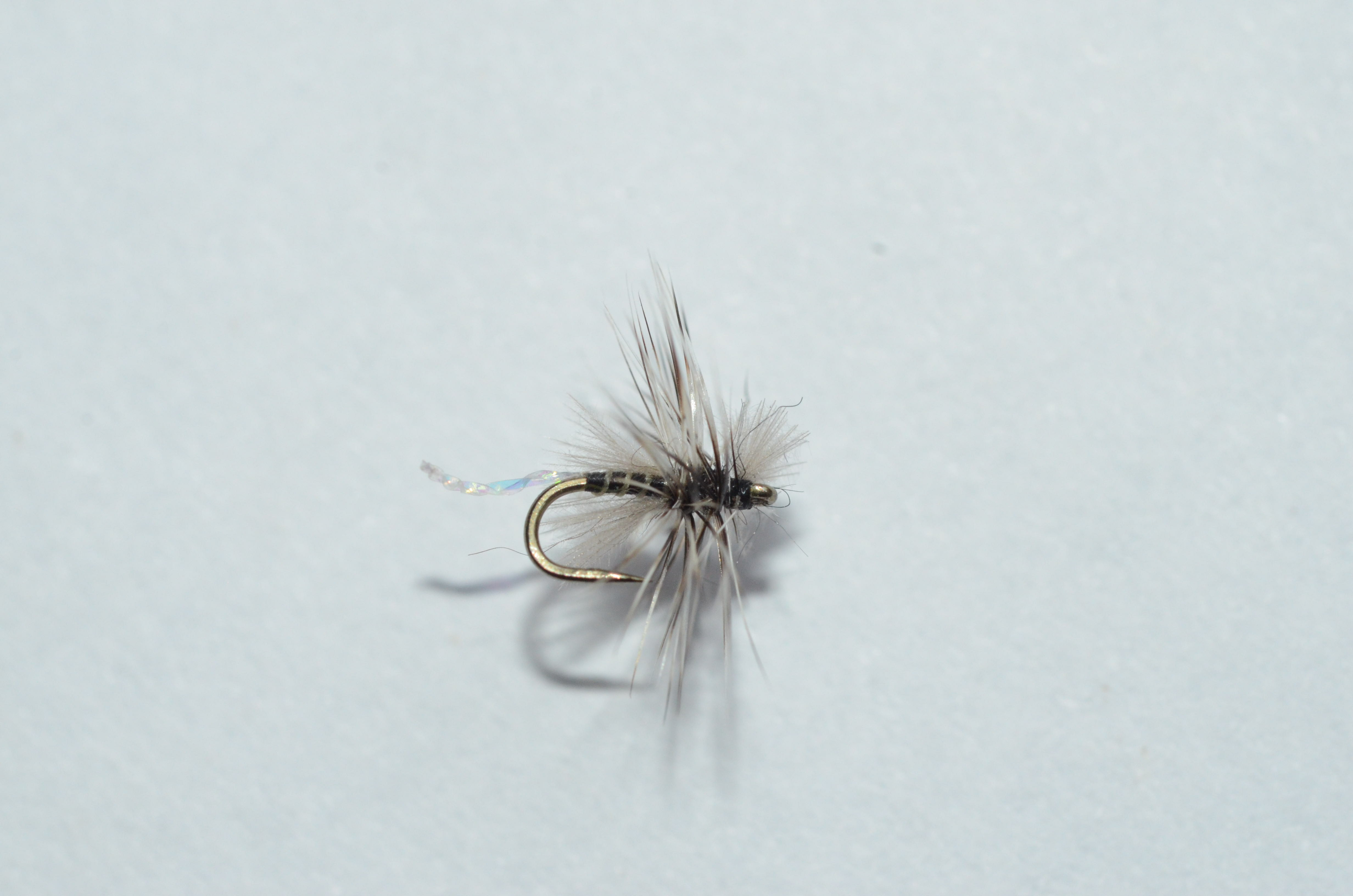 6 WOOLLY BUGGER FISHING FLIES~ Size 6 ~ Six 3 Black Flies ~ 3 Olive